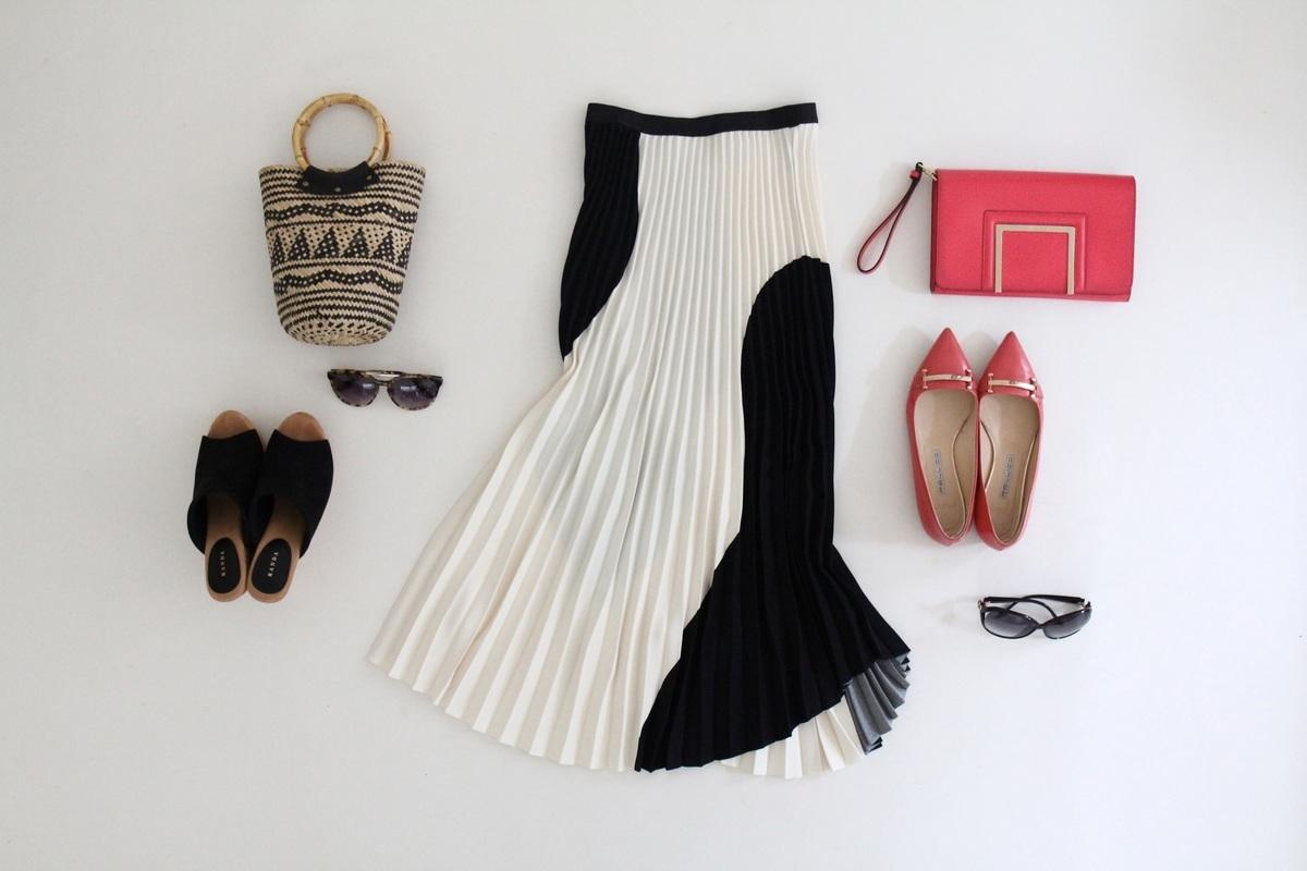 H&Mのロングプリーツスカートなら、ドレスアップも普段使いも叶います