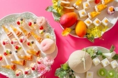マンゴー、ピーチ、メロン。高級フルーツ食べ放題の大満足スイーツビュッフェ