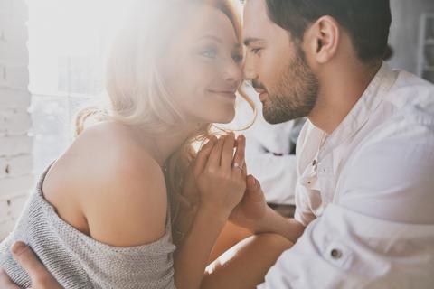 幸せな恋愛ができなくてつらいなら、まずは「男性への不信感」を取り除いてみる
