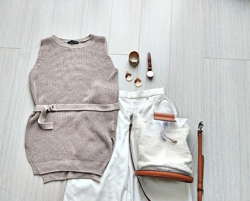 """スタイル良く見せる""""ロング&リーン""""なシルエットを作る白パンツ"""