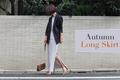 ロングタイトスカートは「深めスリット」を選んで。脚がきれいに見えるから