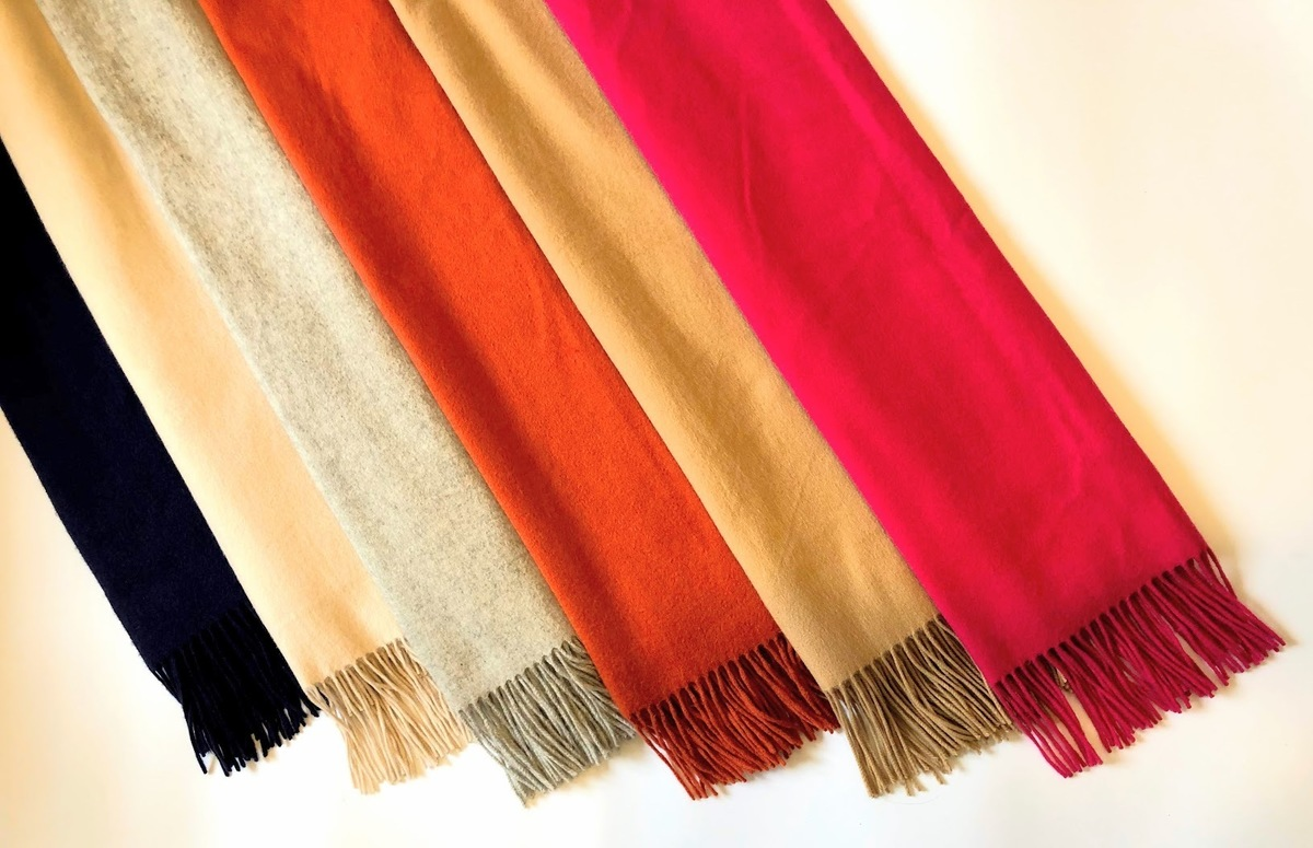 【保存版】カシミアストールの色選び。1枚目は何色を選ぶ?