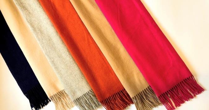 カシミアストールの色選び。1枚目は何色を選ぶ?