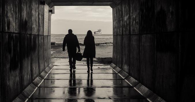元カレと不倫関係に。別の女性と結婚した元恋人の略奪は可能?