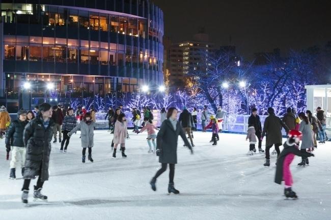 【チケプレあり】都内最大級! 屋外スケートリンク「MIDTOWN ICE RINK in Roppongi」にご招待