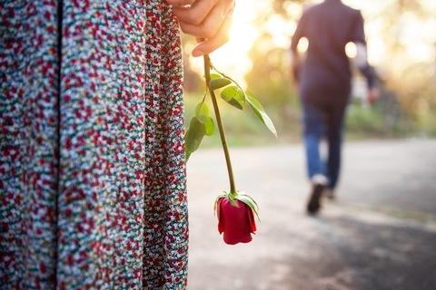 【恋愛心理テスト】あなたの「恋人への未練タラタラ度」診断