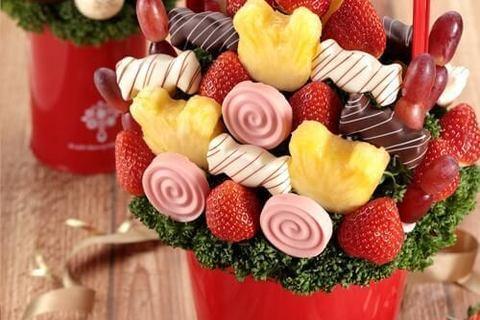 今旬スイーツ! チョコとフルーツをおしゃれに融合した「フルーツブーケ」期間限定商品