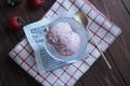 素朴な苺アイスクリームは、やさしい春の味【あの日あの味 #4】