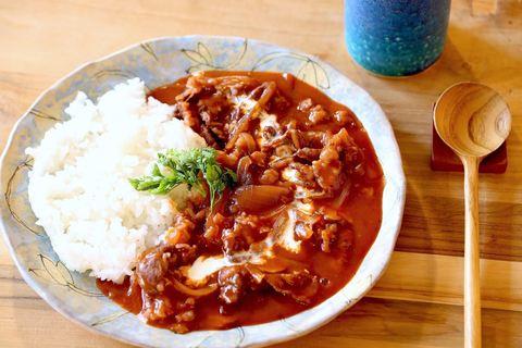"""""""ルウいらず""""の超簡単ハヤシライスレシピ。フライパンひとつで作れます"""