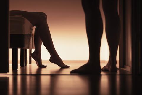 セックスをする夢の意味。彼氏、元カレ、友達と…その意味を占い師に聞いてみた。