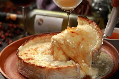 チーズの海に溺れる幸せ。「蜂蜜チーズシカゴピザ」が新発売!