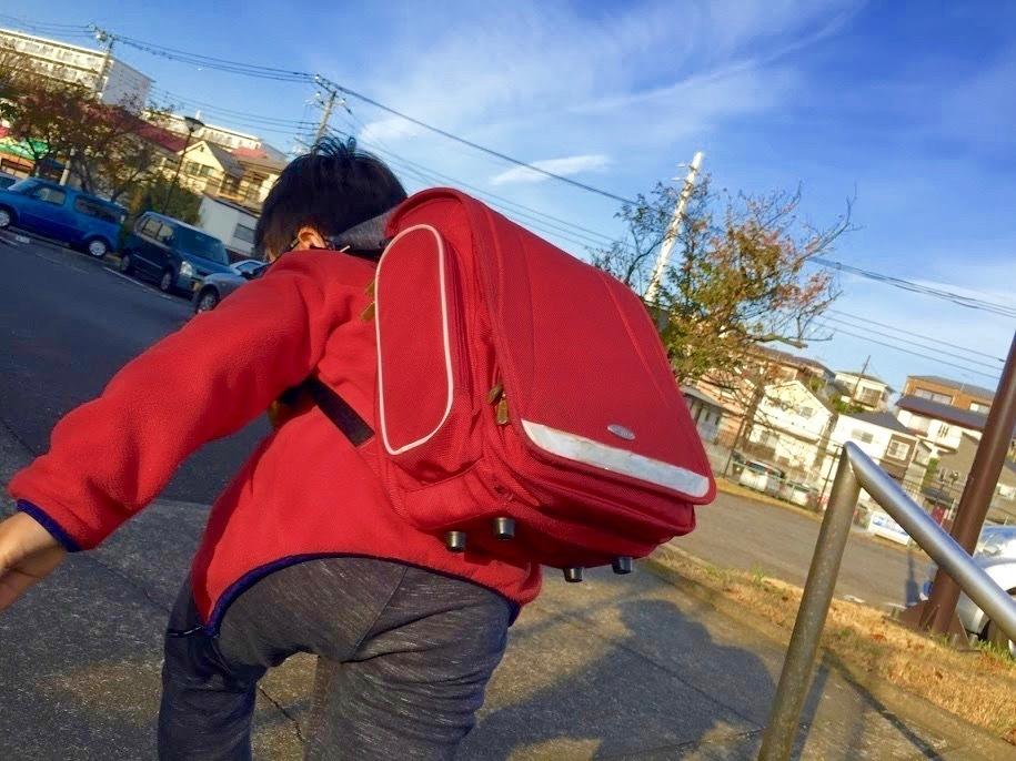 息子が赤やピンクのランドセルを欲しがった。親はどうする?