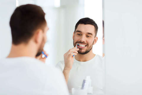 """モテる男は""""口の中""""を磨きあげてる。AV男優がしている、お口のケア"""
