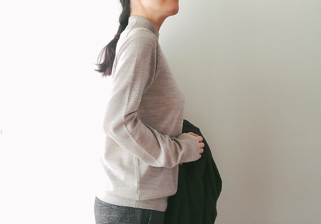 無印良品の2990円優秀セーター。上品シルエットでレイヤードも完璧!