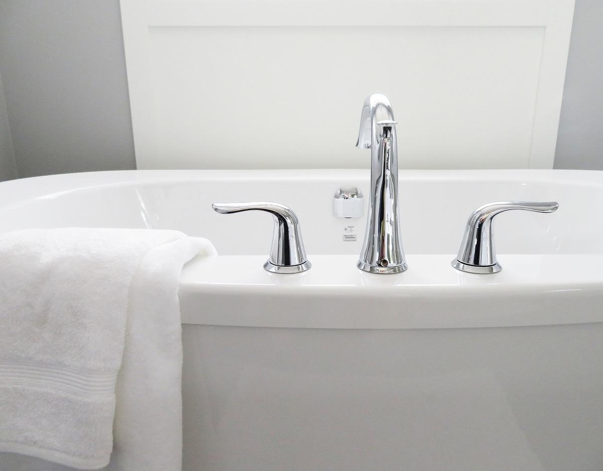 ■シャワーだけで済ませず、毎日必ず入浴すること