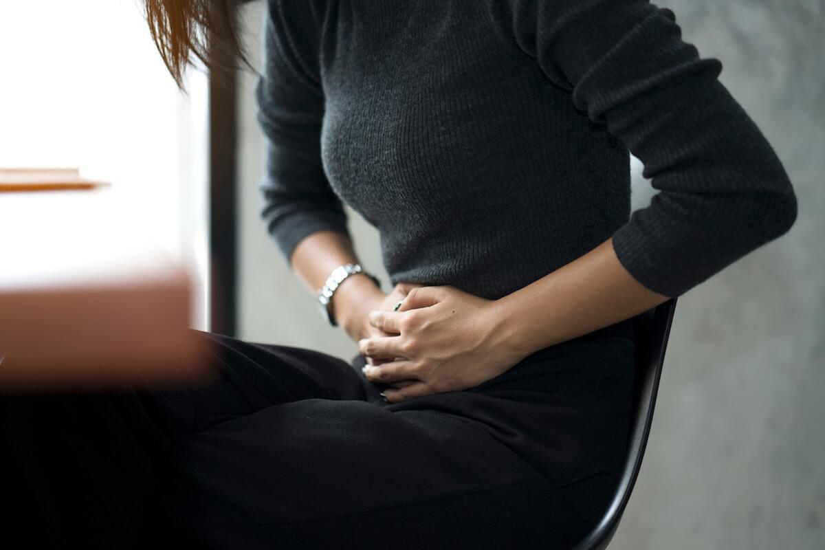 【セックスが痛い理由2】子宮内膜症や卵巣腫瘍の疑い、あるいは腸の痛みがある