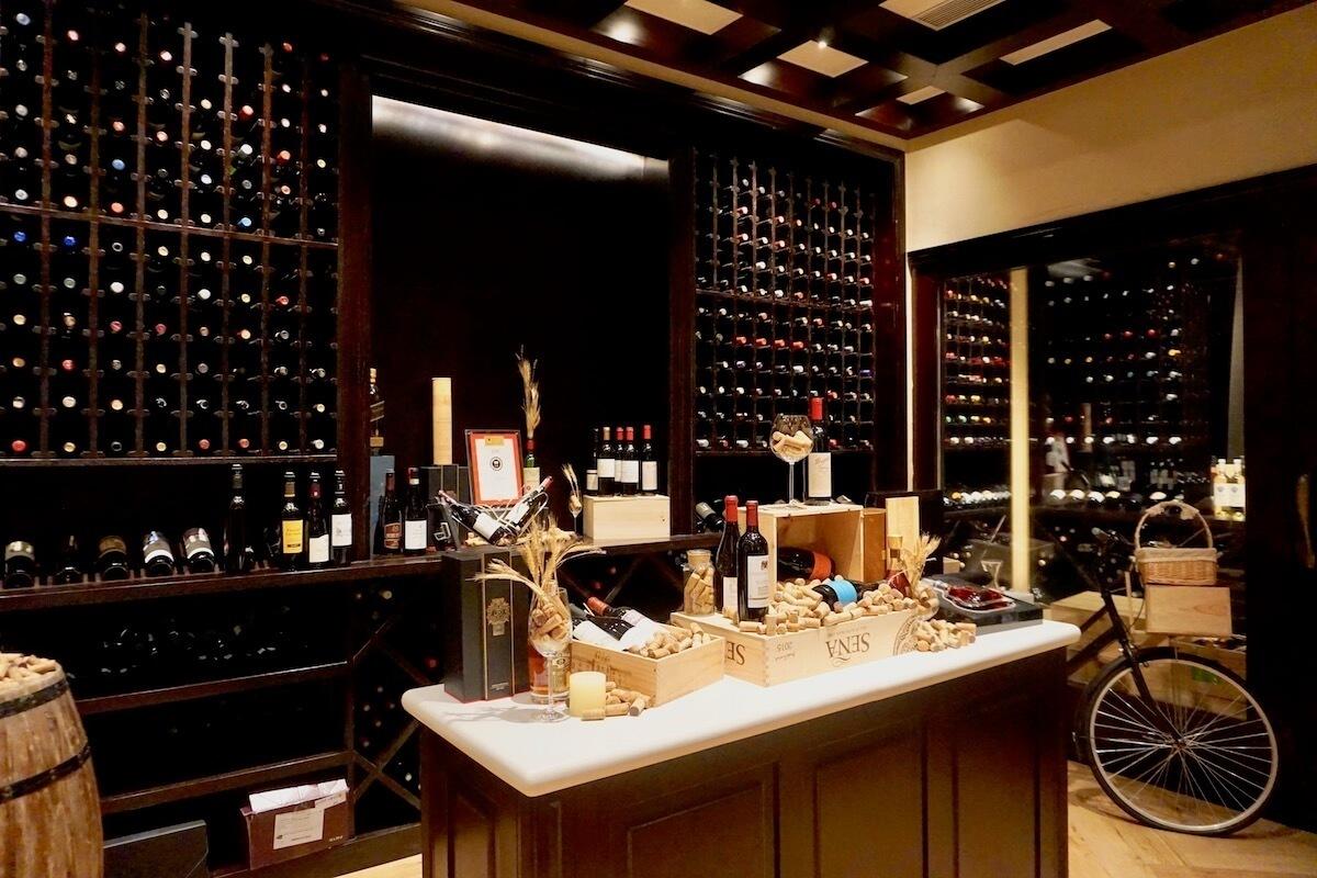 ブラッセリーのワインセラー