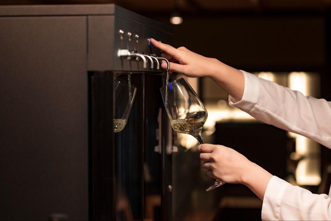 セルフ式のワインバー