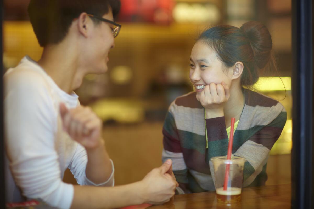 カフェにおけるカップル