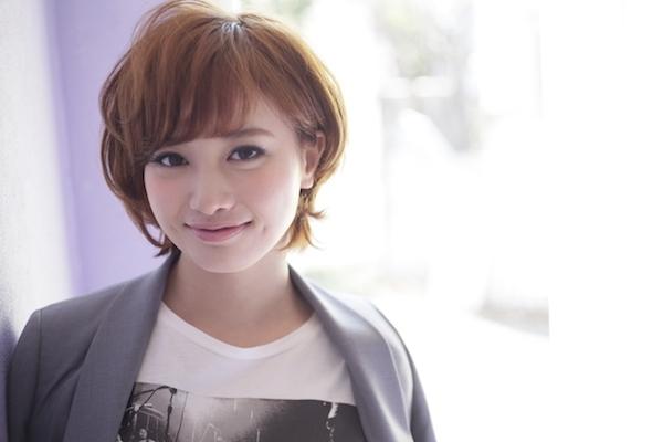 □40代の髪型:ショートヘア×面長