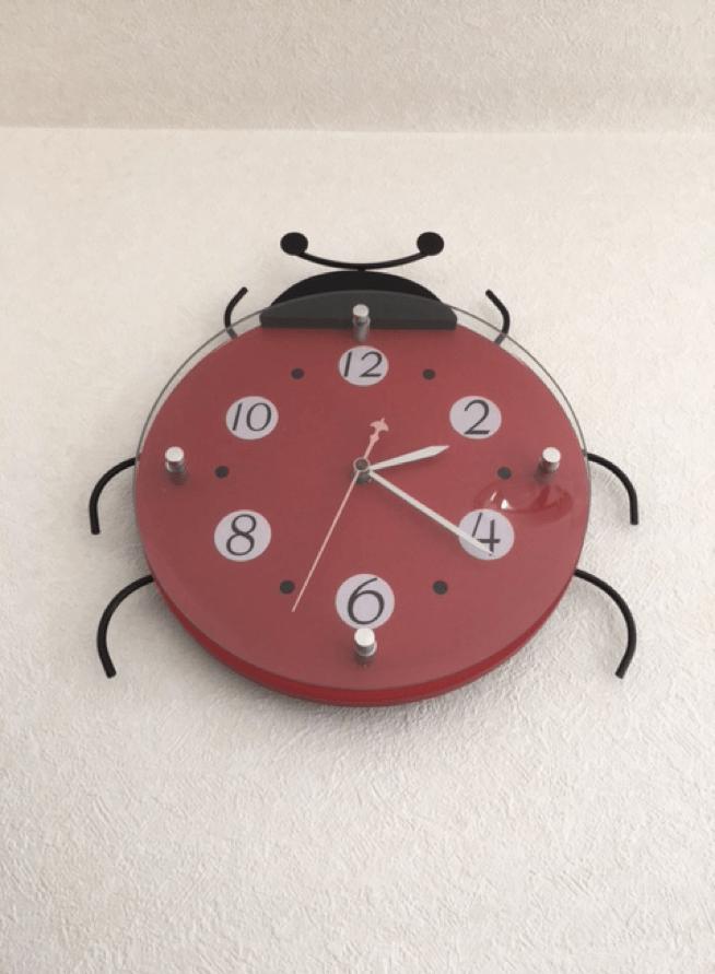てんとう虫の時計