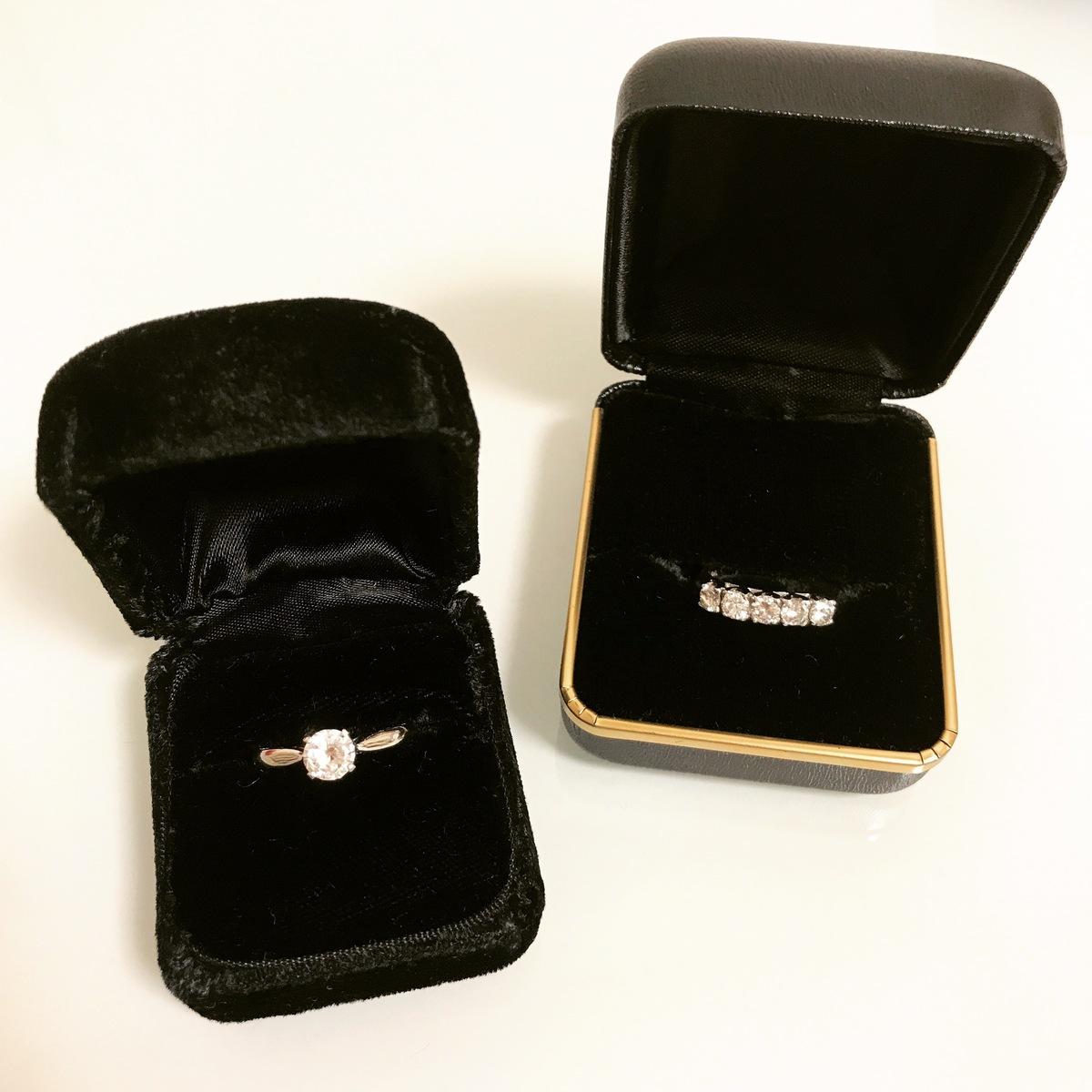 ■シンプルな装いには、ダイヤモンドで輝きを添えて。