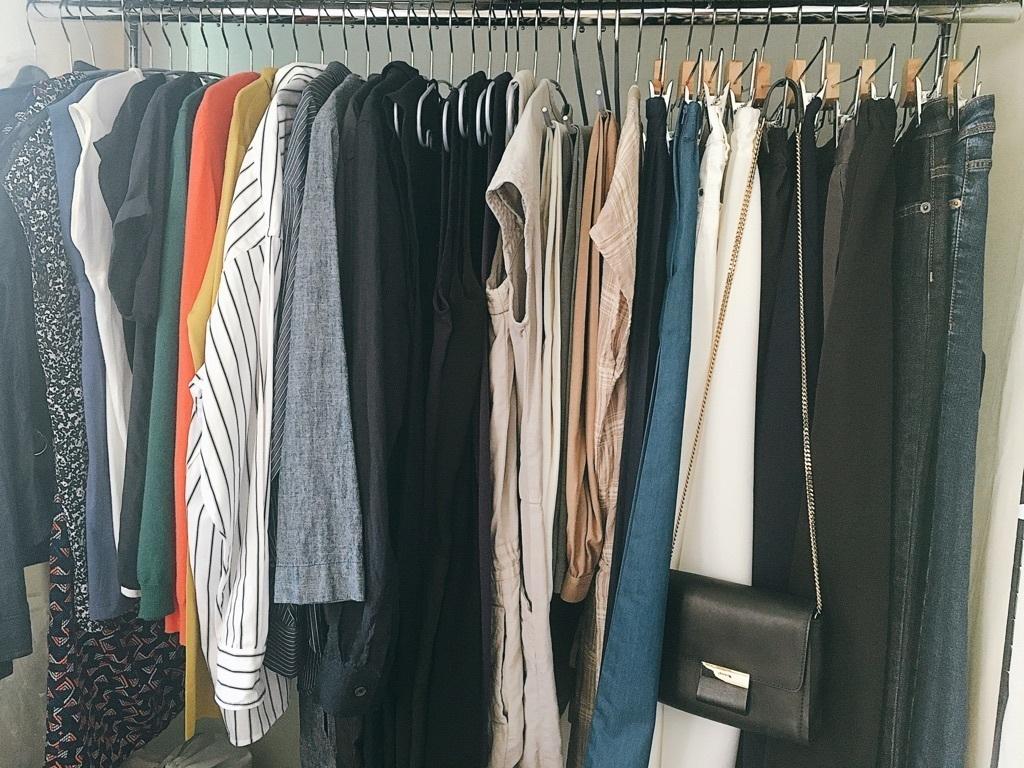 洋服収納はクローゼットとハンガーラックを活用
